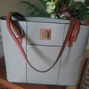 Dooney &Bourke Lexington tote new
